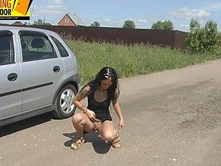 Valeria makes water on the road!