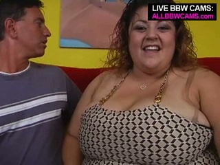 Hulking bbw reyna receives white-haired up and receives huge boobs sucked