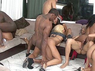darksome amateur swinger party 3