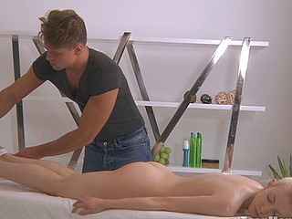 Blond with a lovely ass is massaged into an big O