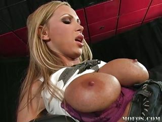 Huge zeppelins hot blonde spreads her legs and receives her pussy licked by this guy. She screams with pleasure as this chab eats her shaved pink wet vagina. After that, that babe receives her ass screwed from behind and maybe this chab will give her some hot jizz on her beautifull ass and hot hot legs.