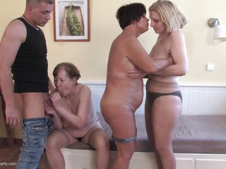 mature lesbians and a indestructible cock elbow their sex party