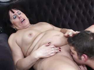 chubby mature drilled on the sofa