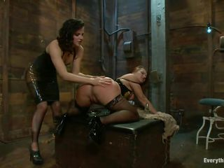 2 ladies with perfect asses having a kinky lesbo love
