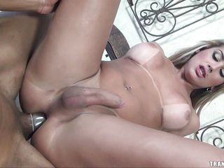 Juliana Souza sucks your cock and uses a bit of teeth for a mix of pain and enjoyment that drives you wild. She shows off her ideal marangos as you mount her and thrust your cock deep inside her taut hole.
