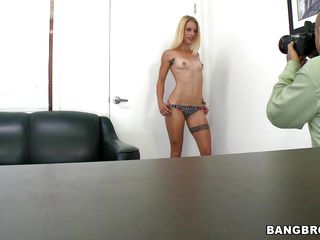 blonde slut widens paws plus fuck dildo