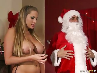 Three Sluts Suck Chunky Dicked Santa