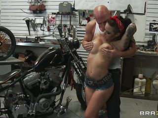 hawt tattooed babe drilled in a bike garage