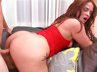 Miss Raquel sucking pecker and riding on it like true expert