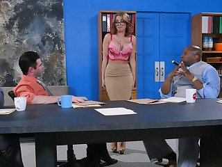Electrifying interracial gangbang session apropos a raunchy blondie