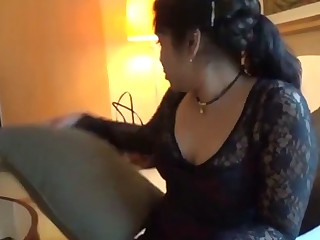 Big ass aunty