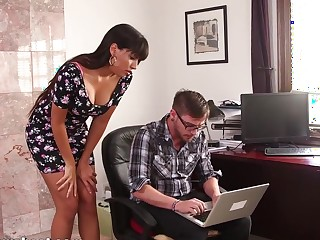 MommyBB Busty MATURE MOM fucking the youngster computer wiz
