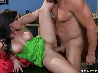Cuckold Dinner With Lewd Brooke Lee