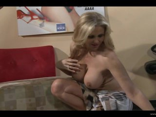 Smoking Sexy Drag queen Babes Julia Ann increased by Raylene Erosion Their Wet Pussies