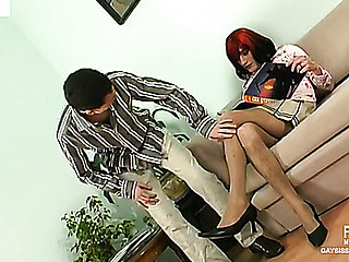 Bobbie&Lewis cocksuking crossdresser on tweak scene