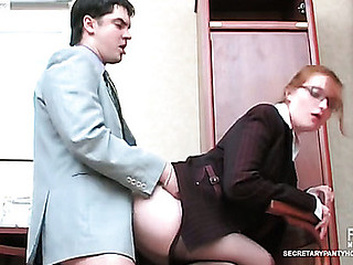Raunchy secretary in nice tights taking pleasure from fucking at lunch hour
