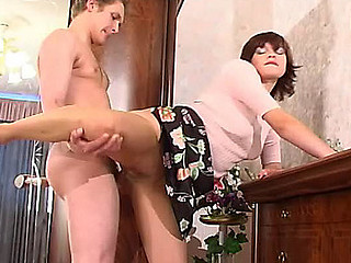 Mirabel&Gilbert awesome pantyhose movie
