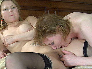 Viola&Megan lesbo older act