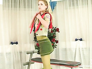 Viola wearing pantyhose on movie scene