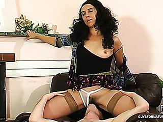 Alana&Tobias sexy mamma on clip