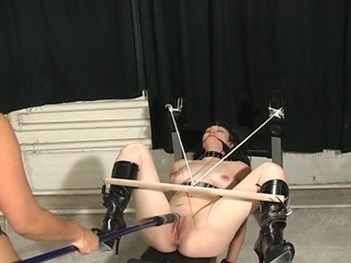 Maxine babe wants some female torture inside her backdoor