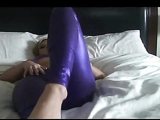 Fulgorous Taut Purple Leggings