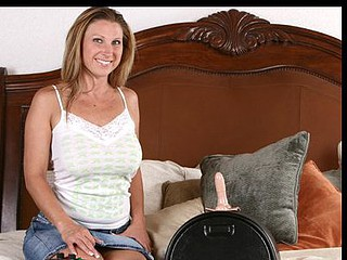 Devon Lee rides a catch sybian for some screamin\' orgasms
