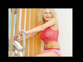 Nubile tamara works up a swet from her hawt workout