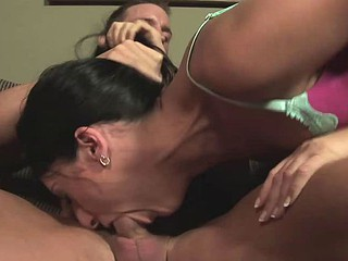 Luscious Lopez fucked with the brush throat