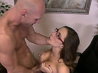 Johnny Sins enjoys massive fucking along hottie Paige Turnah during the time that at the office