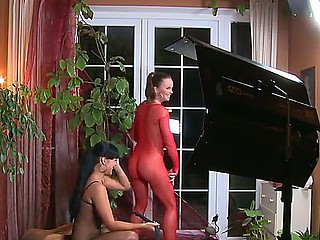 Horny pornstars Carmen Croft along silvia Saint are having an superb inverted babes softcore