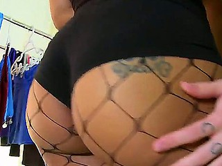 Hot ebony darling Madison Banks wants stud to pleasure her big bunghole and slutty  pussy
