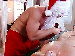 Johnny Sins organizes dirty Christmas massage relating to seductive Marie McCray