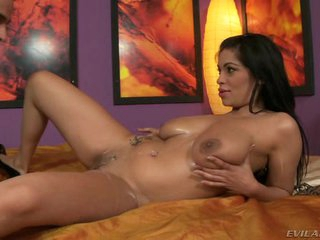 Beamy titted indulge loves persiflage her wet moist love authority over