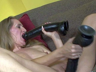 Mature whore Sara James knows greatest of a sex toy,