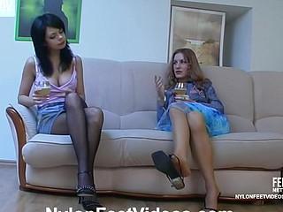 Viola&Gertie nasty nylon footsex